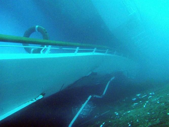 El Crucero Costa Concordia sumergido